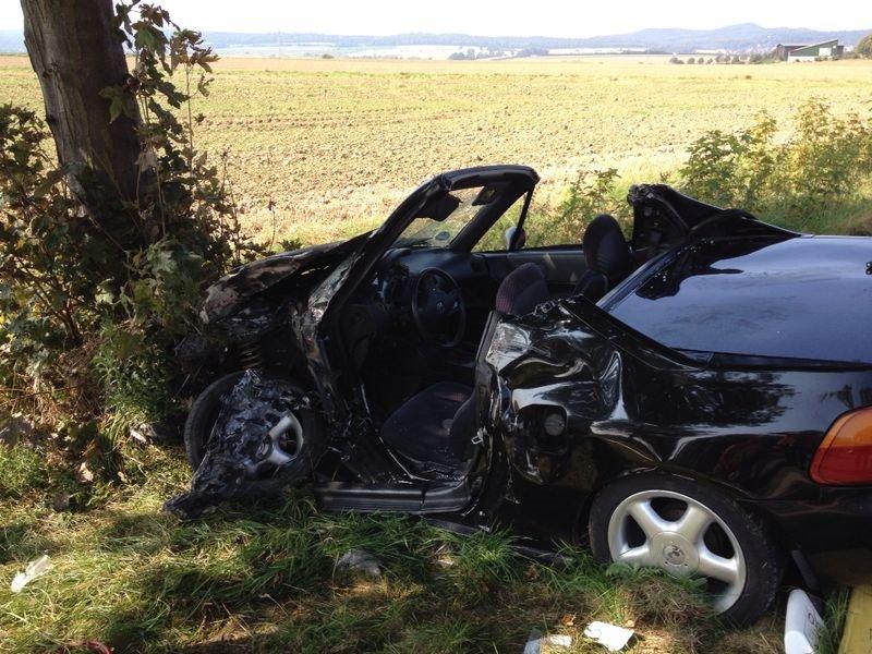 Verkehrsunfall mit eingeklemmter Person auf L 500