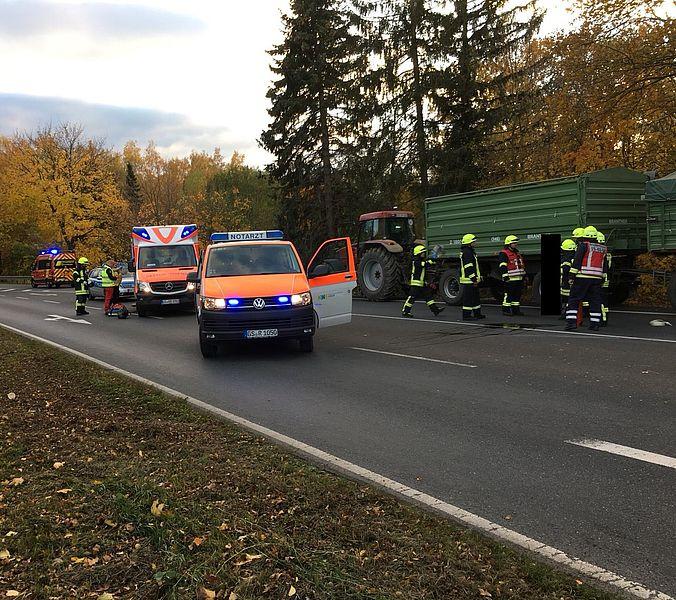 Verkehrsunfall zwischen Fahrrad und Traktor